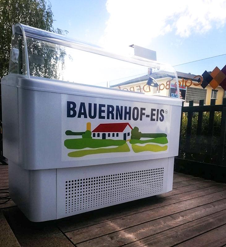 Cafe Bar Depot - Bauernhof Eis